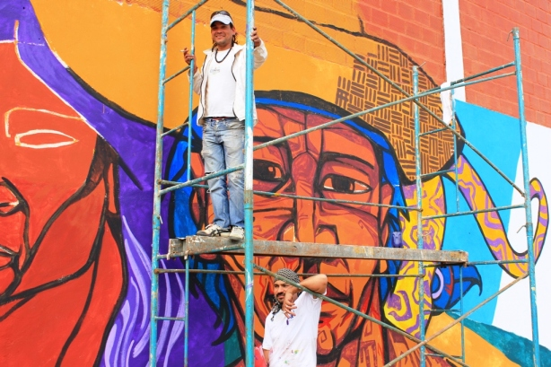 Mural Lucas Quinto y Fabián Yorg polideportivo (1)